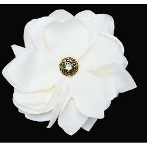 NEW Gorgeous Bridal Wedding Ivory Flower Clip/brooch with