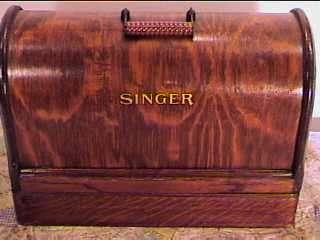 1917*SINGER HAND CRANK SEWING MACHINE*MODEL 99*SEWS VG