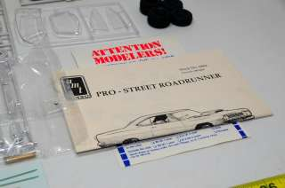 PRO STREET 68 ROADRUNNER STREET MACHINE MUSCLE CAR HOT ROD MODEL KIT