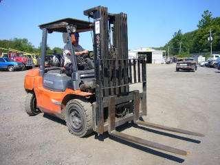 2005 Toyota 7FGU35 Forklift lift truck 7,000# 7,335 HR