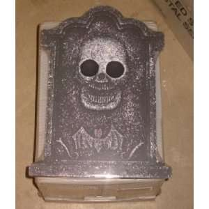 SKULL WITH BAT HEADSTONE   15 X10.5   light weight foam