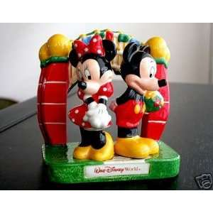 Mickey & Minnie Mouse WDW Entrance Gate Ceramic Salt & Pepper Shakers