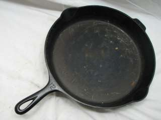 GRISWOLD NO.12 LG CAST IRON SKILLET PAN W/SMOKE RING 719 D