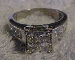 . tw. Diamond Centerpiece Wedding Set in 14K White Gold Size 8