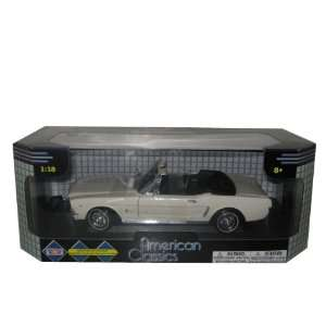 1964 1/2 Ford Mustang Convertible Cream 118 Toys & Games