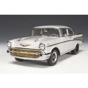 1957 Chevrolet Bel Air Sedan White 118 Highway 61  Toys & Games
