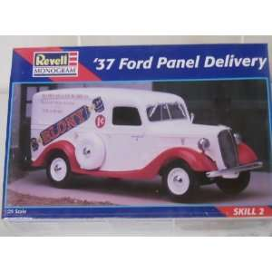 Monogram 37 Ford Panel Delivery 1:25 Scale Model Car Kit: Toys & Games