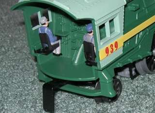 LIONEL WIZARD OF OZ LOCOMOTIVE WITH TENDER AND SOUND OB