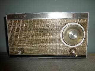 TUBE RADIO MODEL N512 DIAL LITE NEEDS WORK BUT COMPLETE 1950S