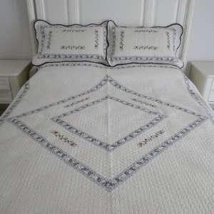 Blue Diamond Full / Queen Quilt Set