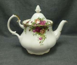 Country Roses Tea Pot 6 cup 1962 Royal Albert Bone China Mint