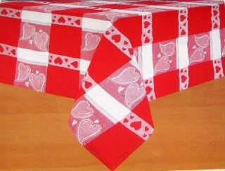 VALENTINES DAY TABLECLOTH 70 ROUND Red White Hearts